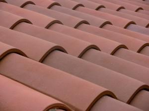 nettoyer les tuiles de toit